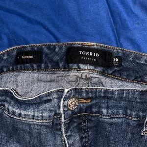 torrid Jeans - VEUC DESTRUCTED BOYFRIEND JEANS